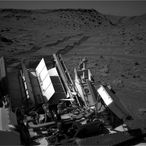 curiosity_mars_dunes_fed_2014