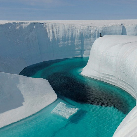 ice-canyon-greenland-2