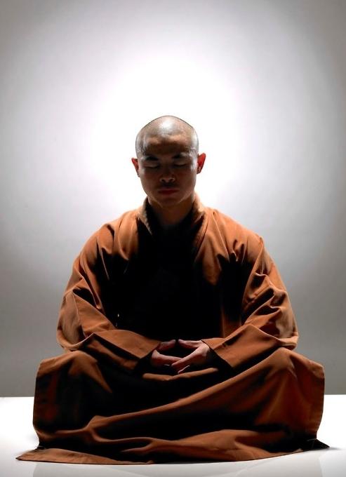 peace-zen-buddhism-sit-meditate